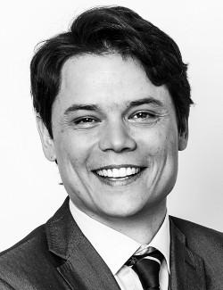 Adolfo Corujo